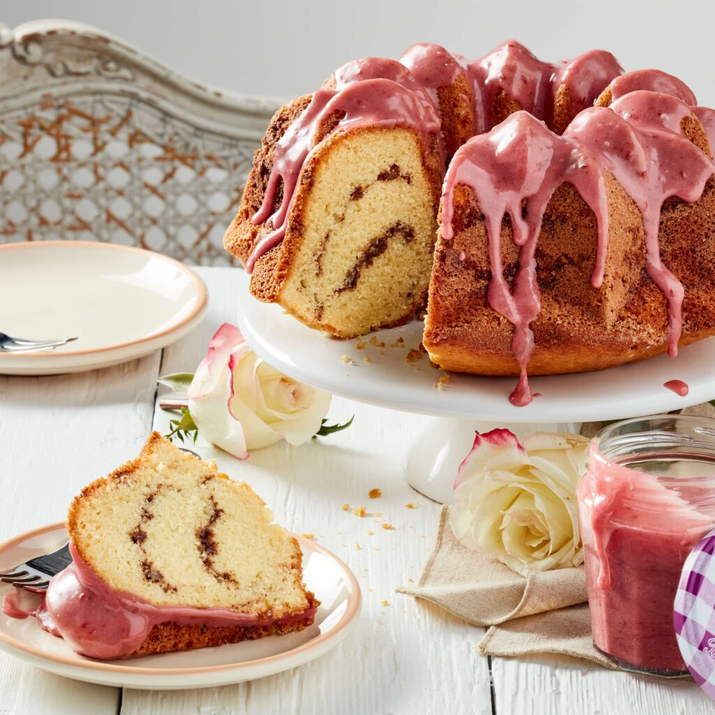 Raspberry bundt cake with Bonne Maman's Intense Raspberry
